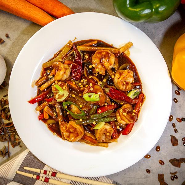 Creveti in sos chinezesc cu urechi de lemn picant
